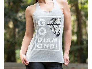 camiseta-go-diamond-cinza-showcase-horizontal