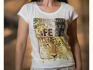 camiseta-savana-branca-showcase-horizontal